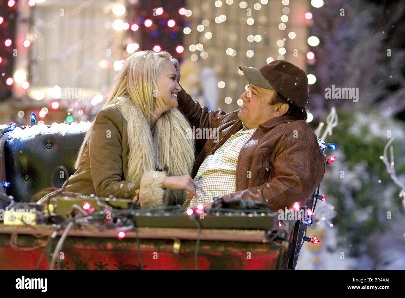 KRISTIN CHENOWETH & DANNY DEVITO DECK THE HALLS (2006 Stock Photo ...