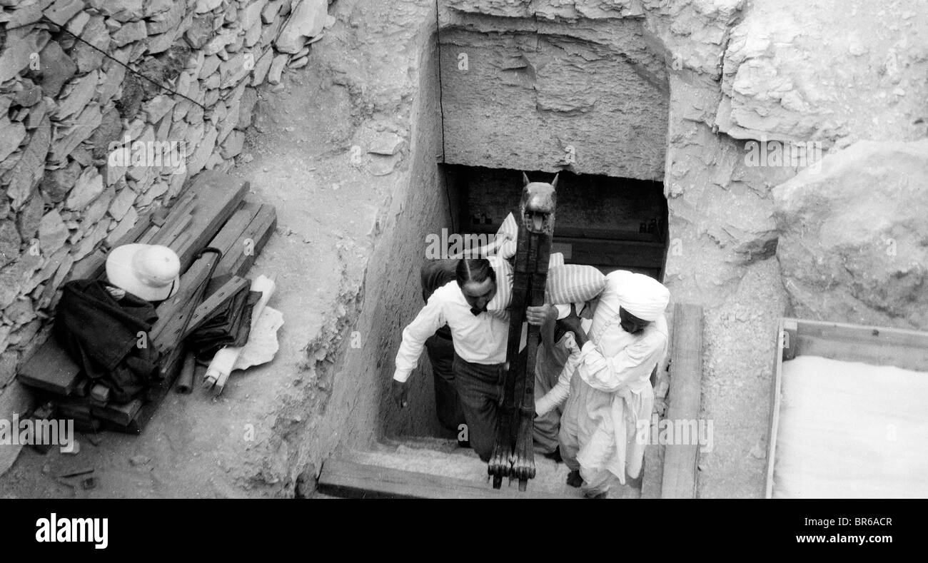 In the Valley of the Kings: Howard Carter and the Mystery ...