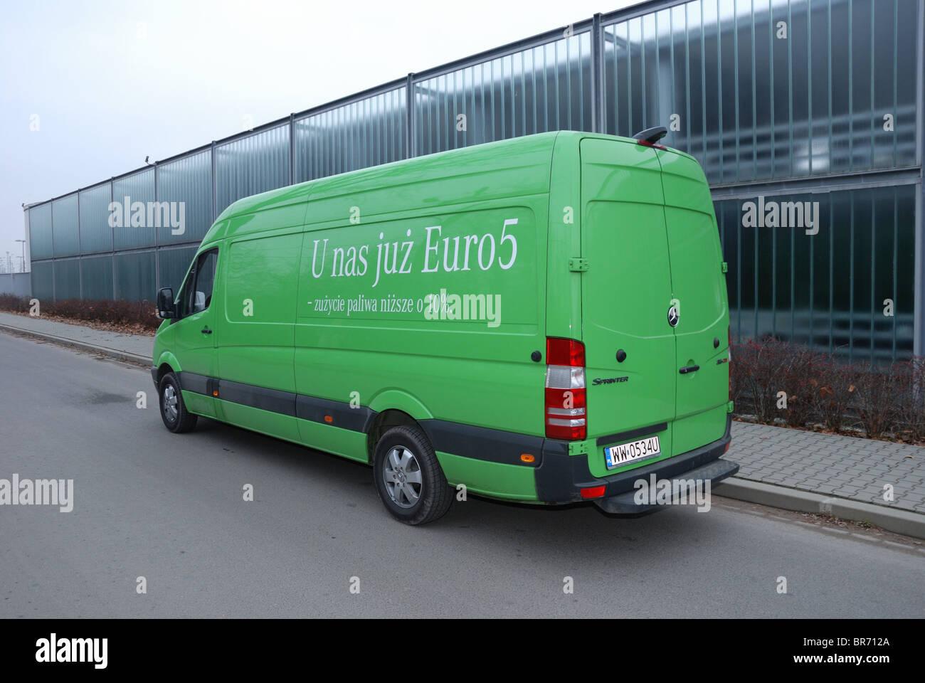 Mercedes benz sprinter 260 cdi van green l3h2 german mcv panel van city street