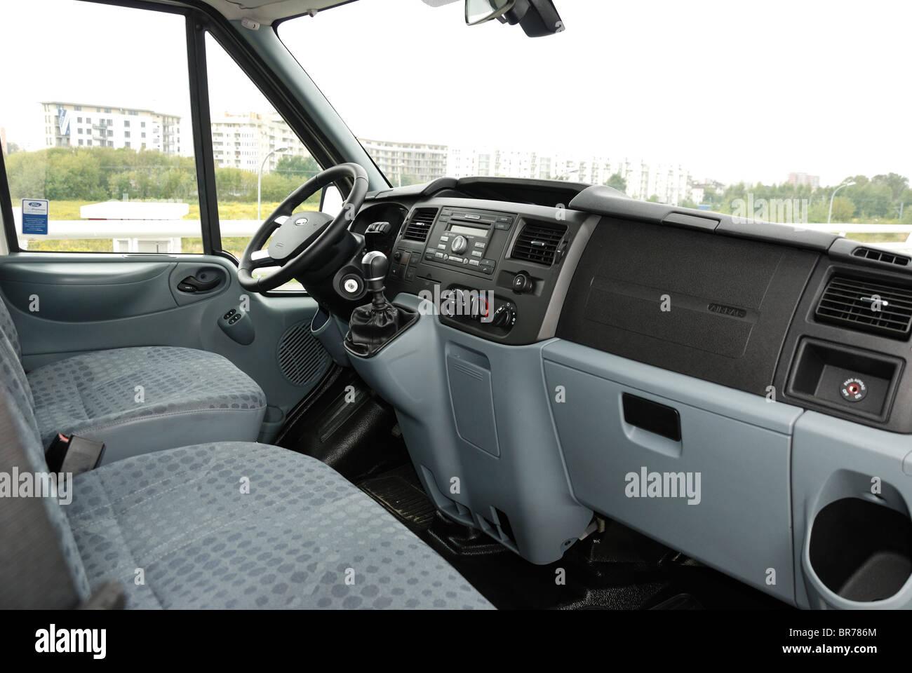 Ford transit 2 4 tdci awd 140 t350 trend panel van chill mwb german