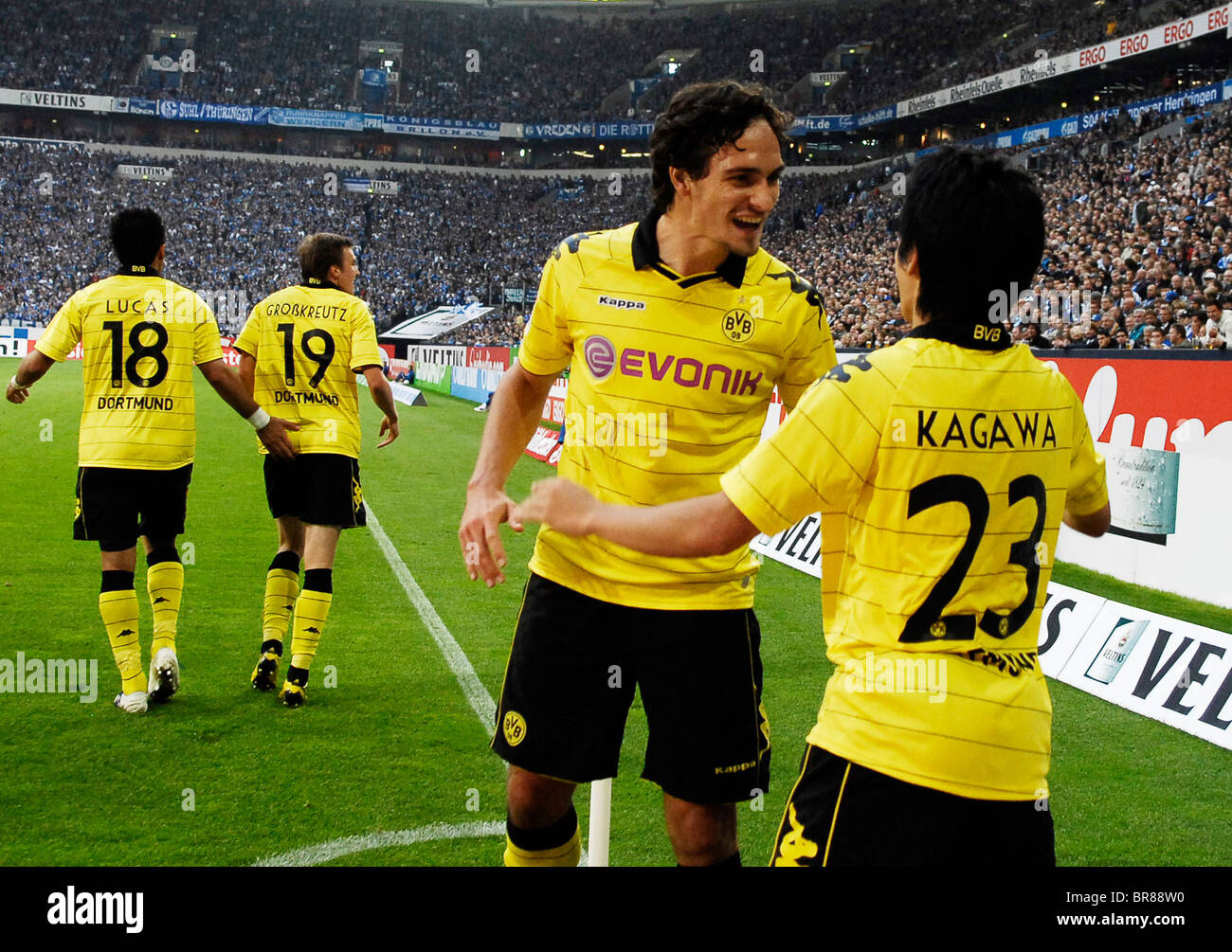 Shinji KAGAWA of Dortmund celebrates with HUMMELS his second goal