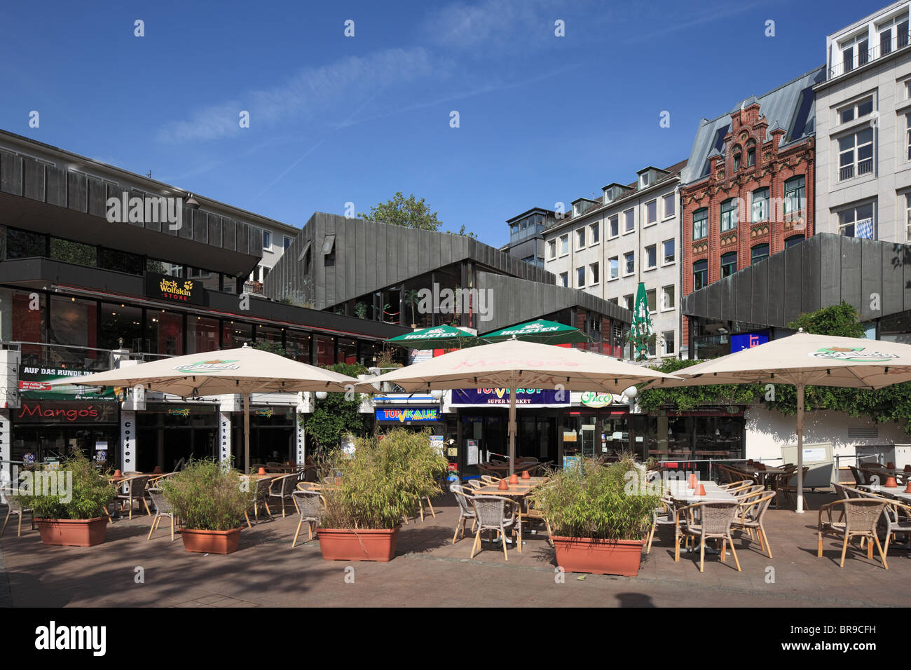 buergerhaeuser und strassenrestaurant am alter markt in kiel kieler stock photo royalty free. Black Bedroom Furniture Sets. Home Design Ideas