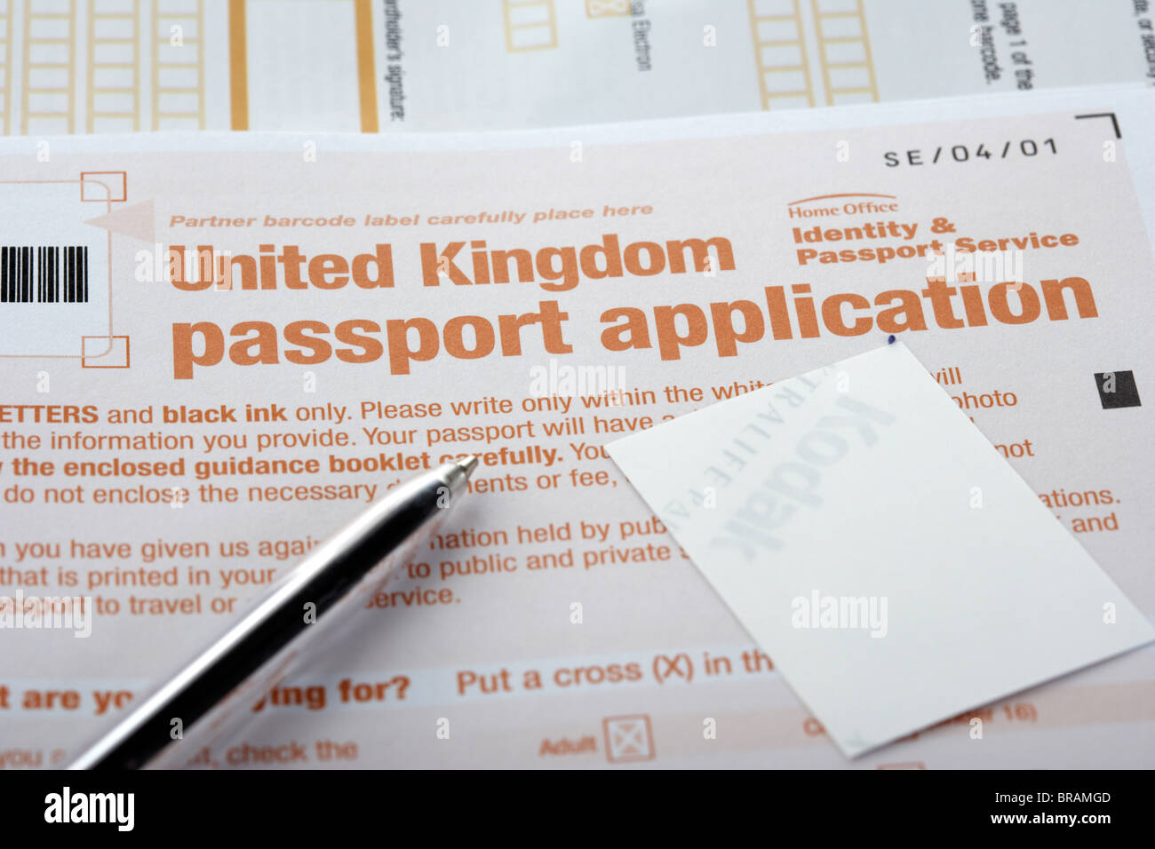 United kingdom home office identity and passport service passport united kingdom home office identity and passport service passport application form pen and photo falaconquin
