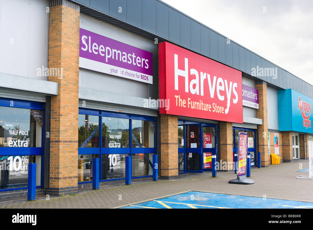 Harveys furniture store leeds road retail park for C furniture warehouse bradford