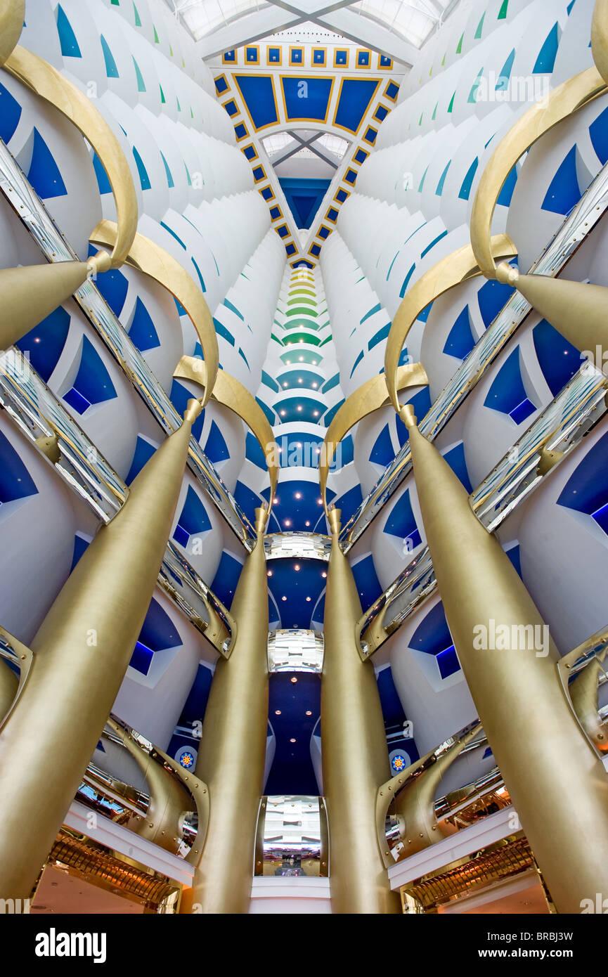 Burj al arab luxury hotel atrium dubai united arab for Design luxushotel dubai