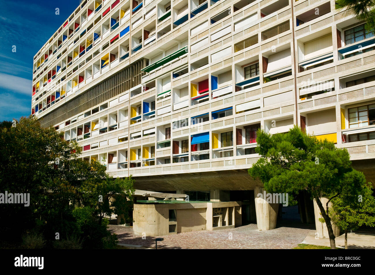 la cite radieuse le corbusier marseille provence france stock photo royalty free image. Black Bedroom Furniture Sets. Home Design Ideas