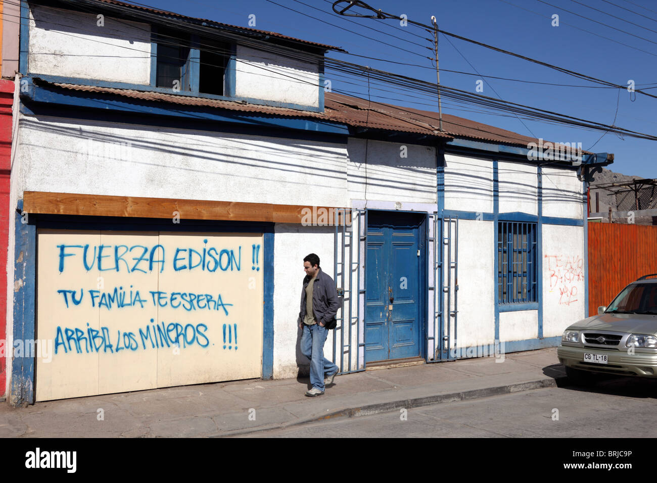Message Of Support For Trapped Miner Edison Peña From His Family Painted On Garage  Door Of House, Copiapo , Region III , Chile