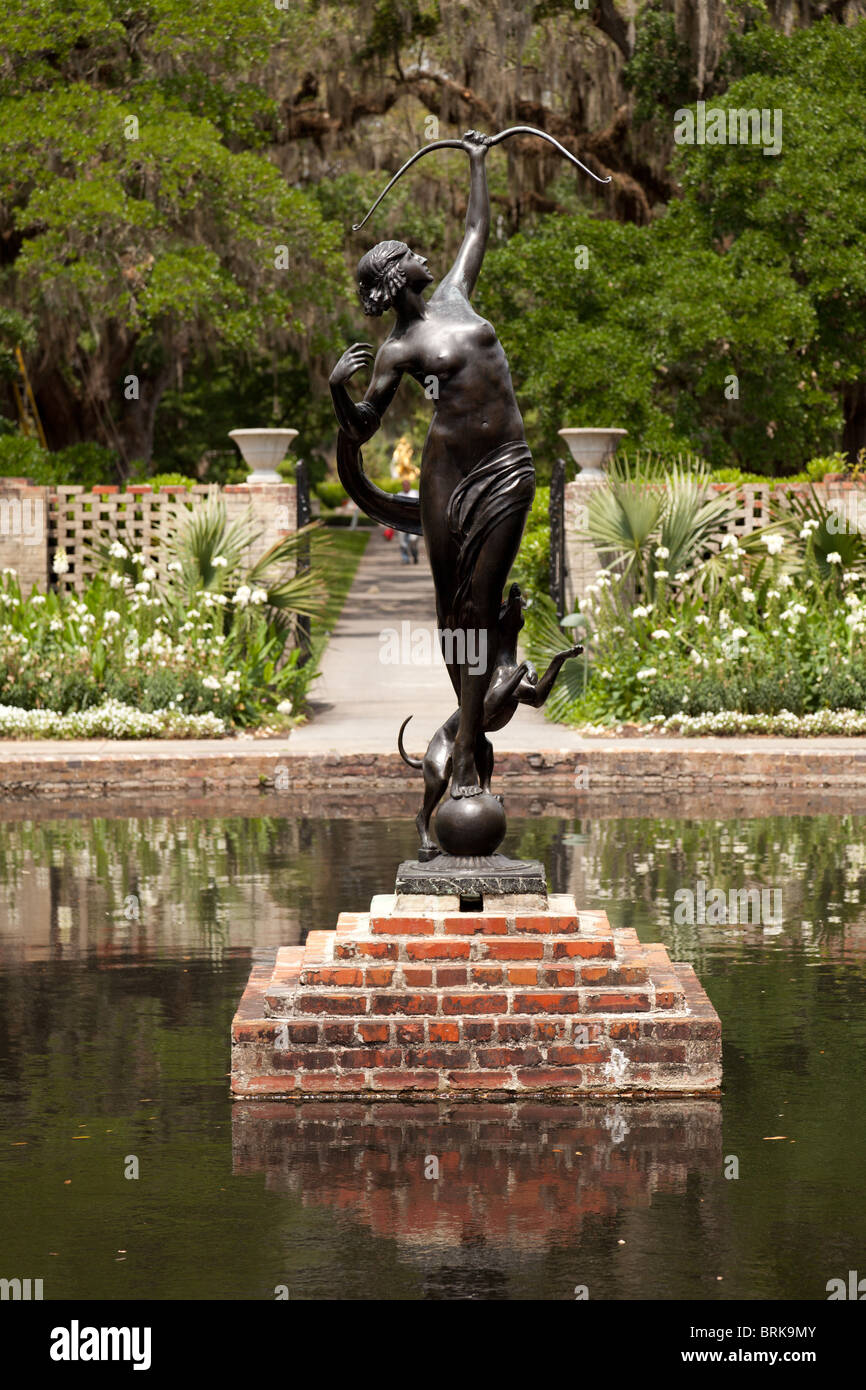 Diana Of The Chase By Anna Hyatt Huntington In Brookgreen Gardens, South  Carolina   Stock