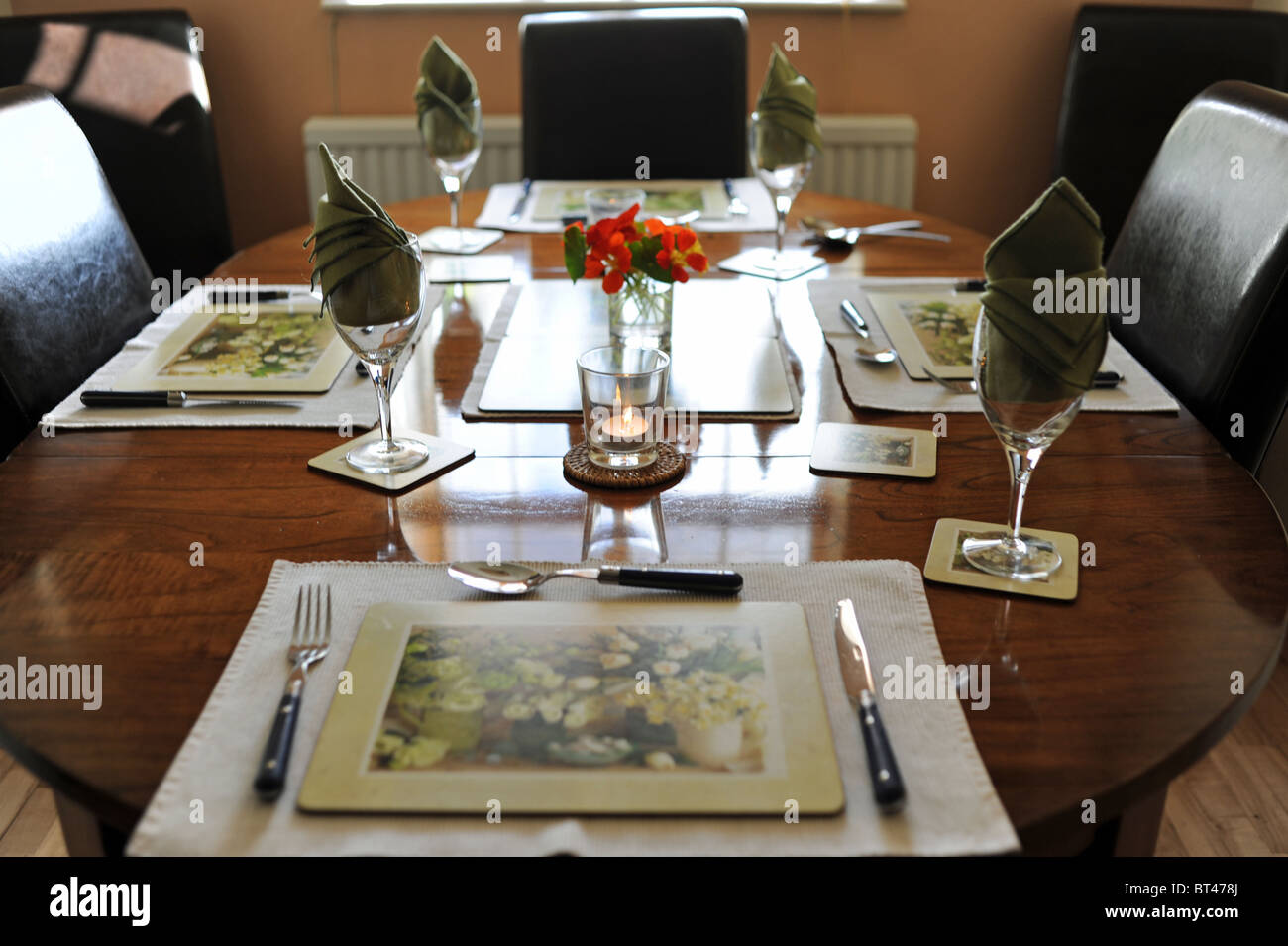 Table laid out in dining room ready for Sunday lunch Stock  : table laid out in dining room ready for sunday lunch BT478J from www.alamy.com size 1300 x 955 jpeg 136kB