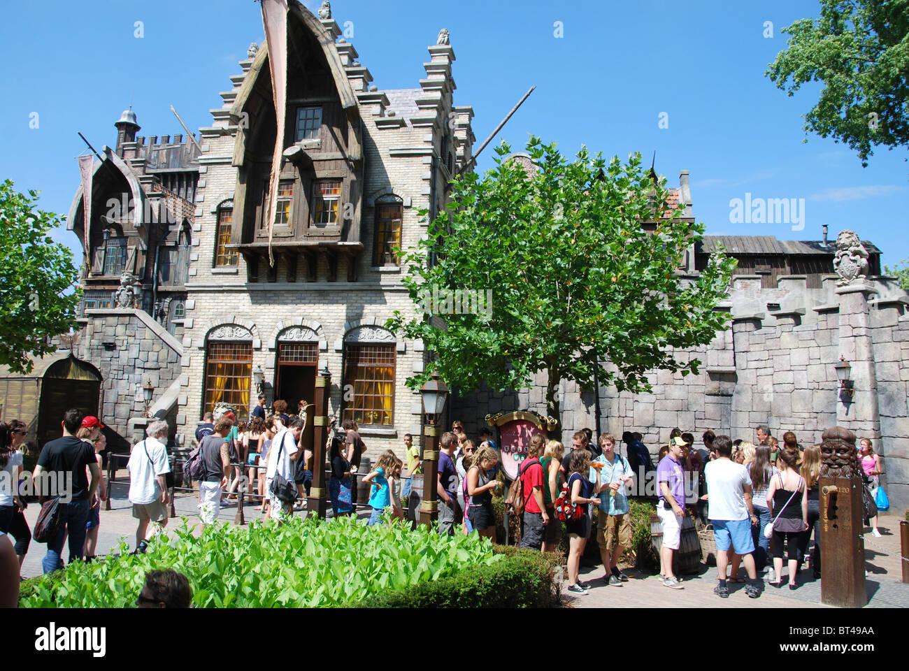 Crowds in efteling theme park kaatsheuvel netherlands for Amusement park netherlands