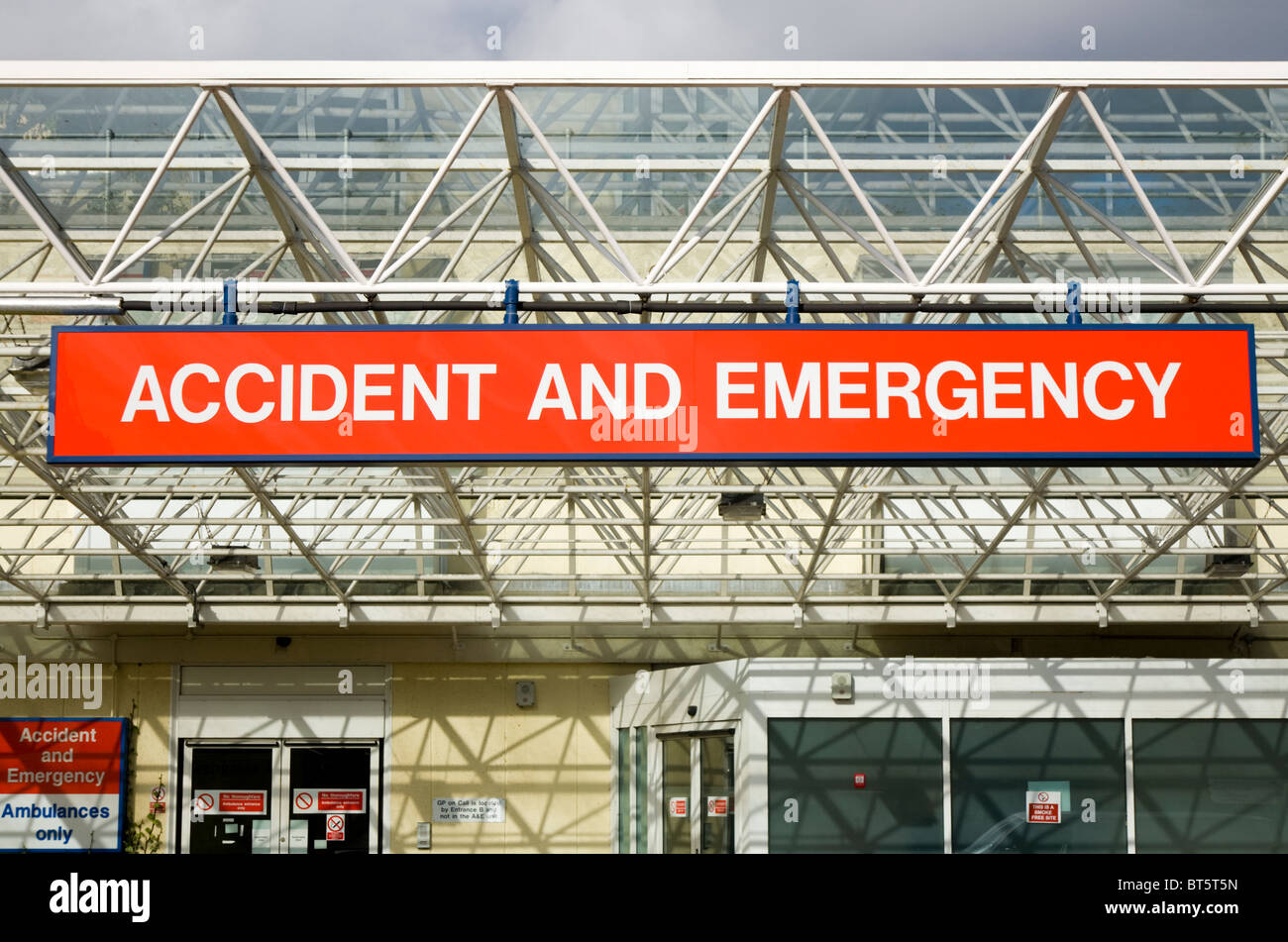 The a e sign and the entrance of the accident and emergency the a e sign and the entrance of the accident and emergency department at frimley park nhs hospital camberley sciox Image collections