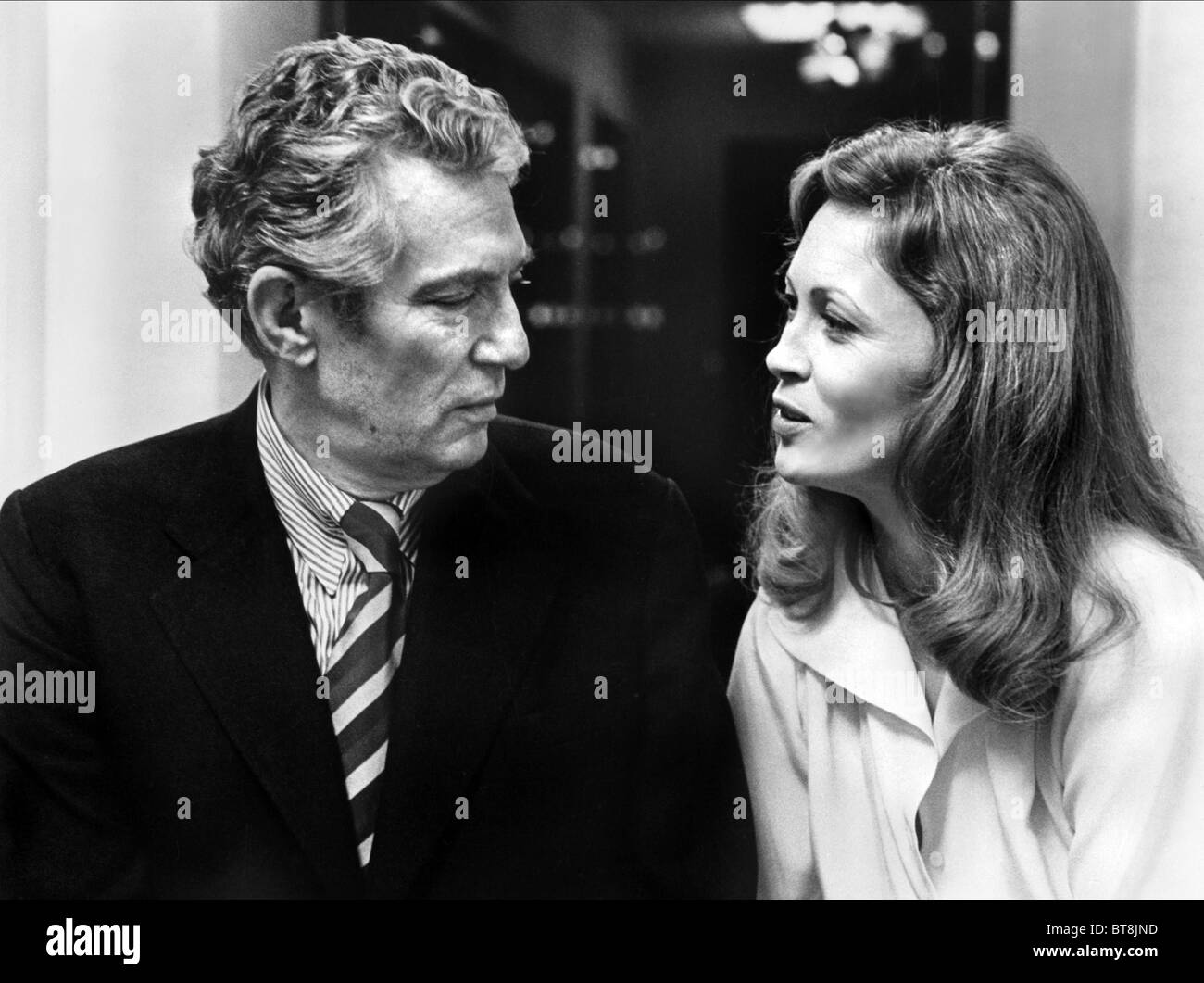 Faye dunaway network - Peter Finch Faye Dunaway Network 1976