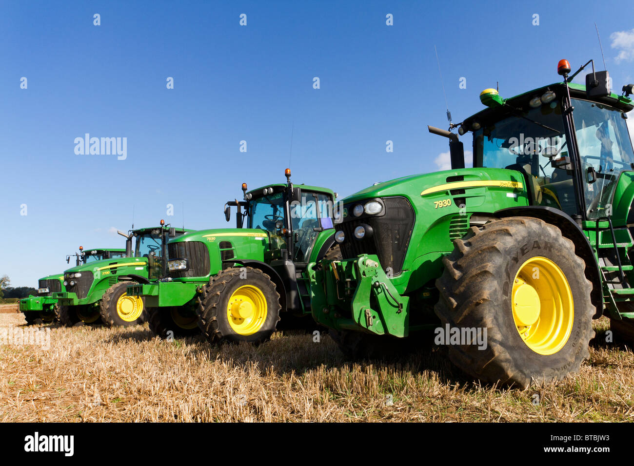 John Deere Line : Line up of john deere series tractors at the ingworth