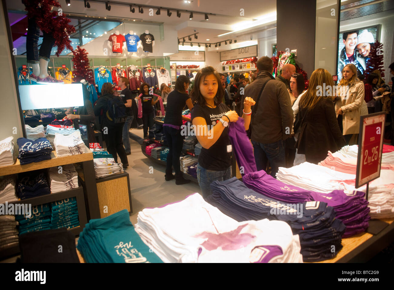 Teen Stores Cater to the Ones With Money - WSJ