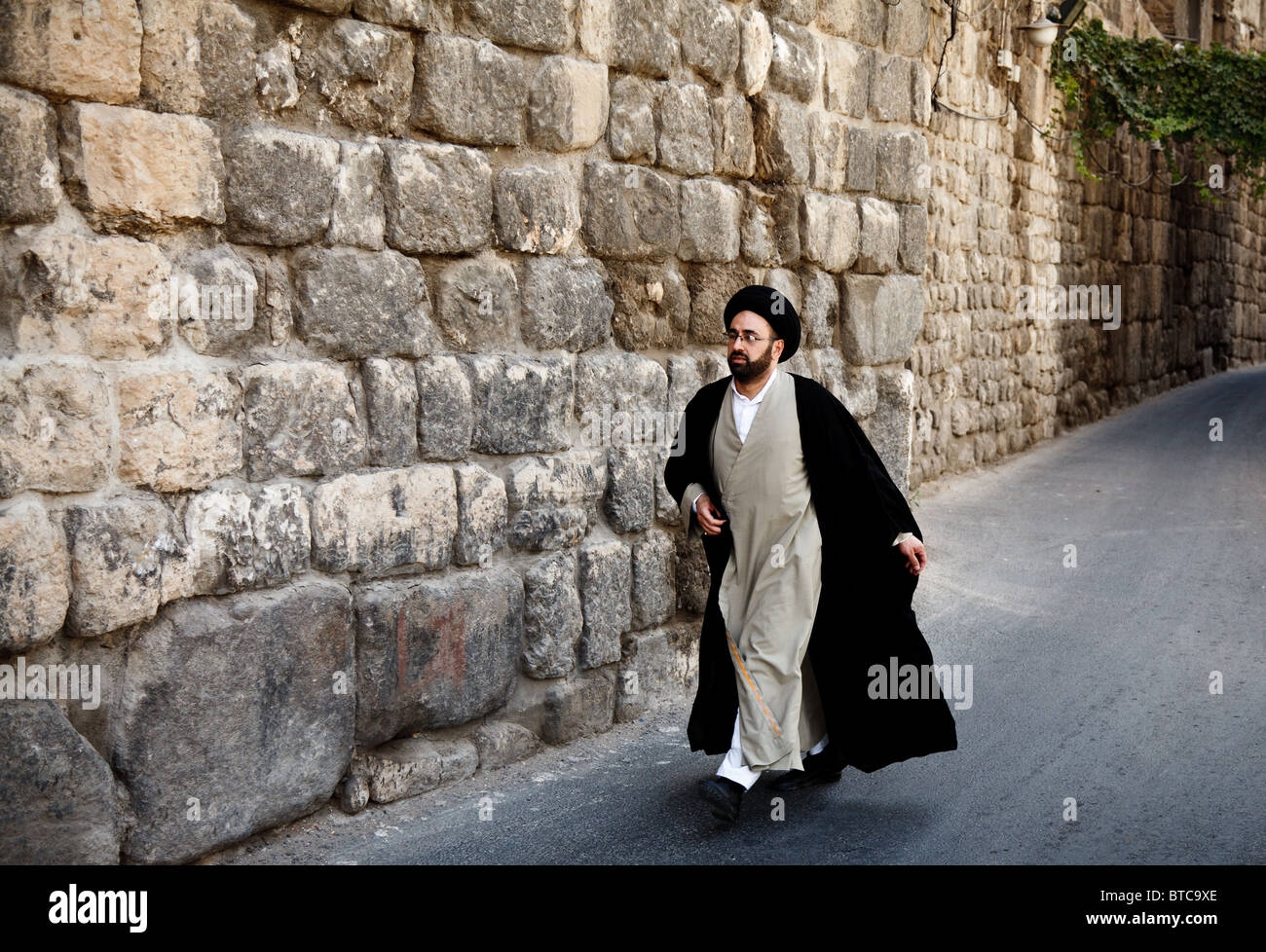 wall muslim single men It had little to do with the temple itself, but because the muslims now firmly control  the  it is called the 'wailing' wall because of the intense remorse jewish people   they went there instead, with the single mind of returning to the old covenant.