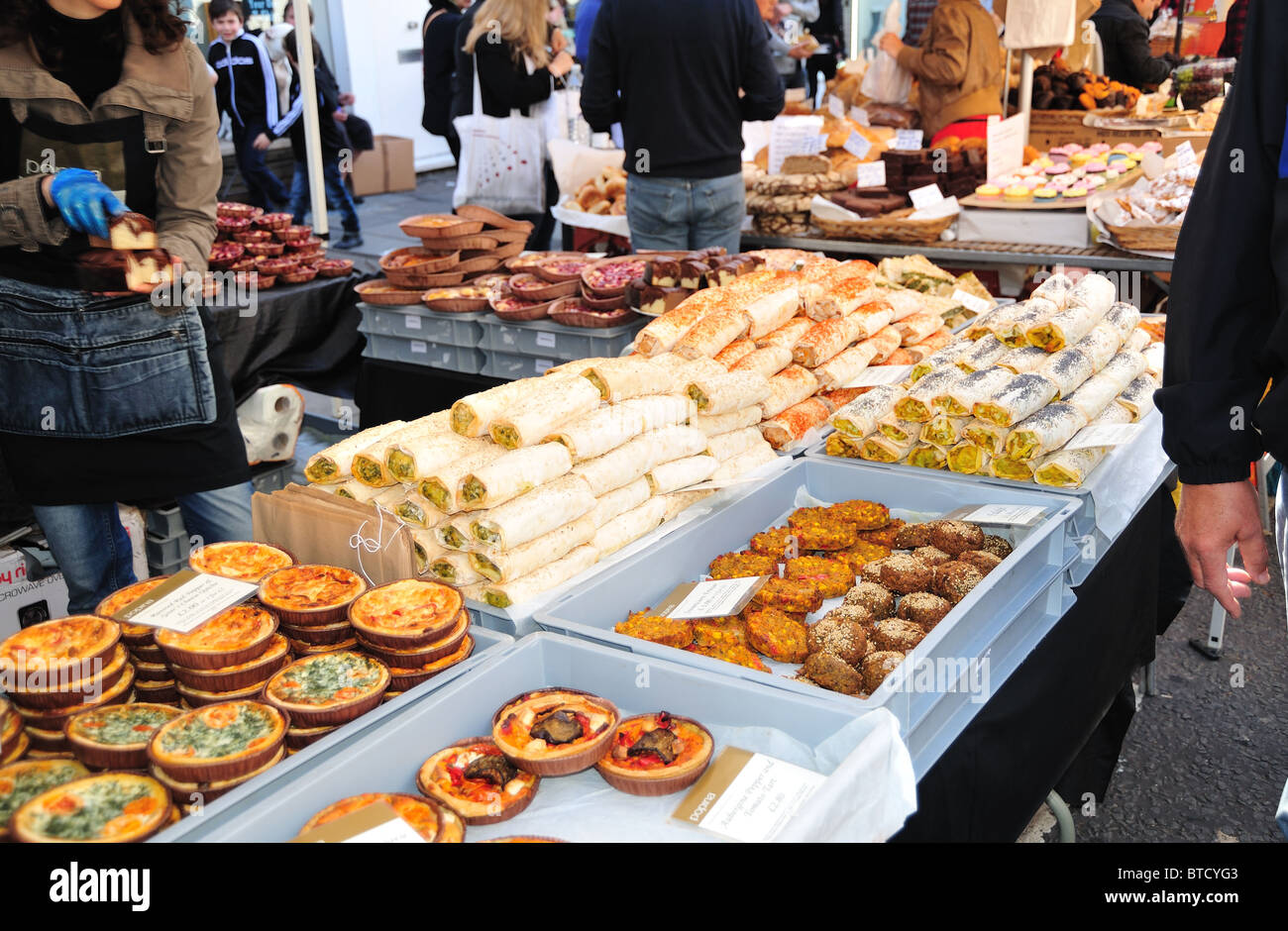 stall selling rustic tarts in portobello market notting hill stock photo 32247155 alamy. Black Bedroom Furniture Sets. Home Design Ideas