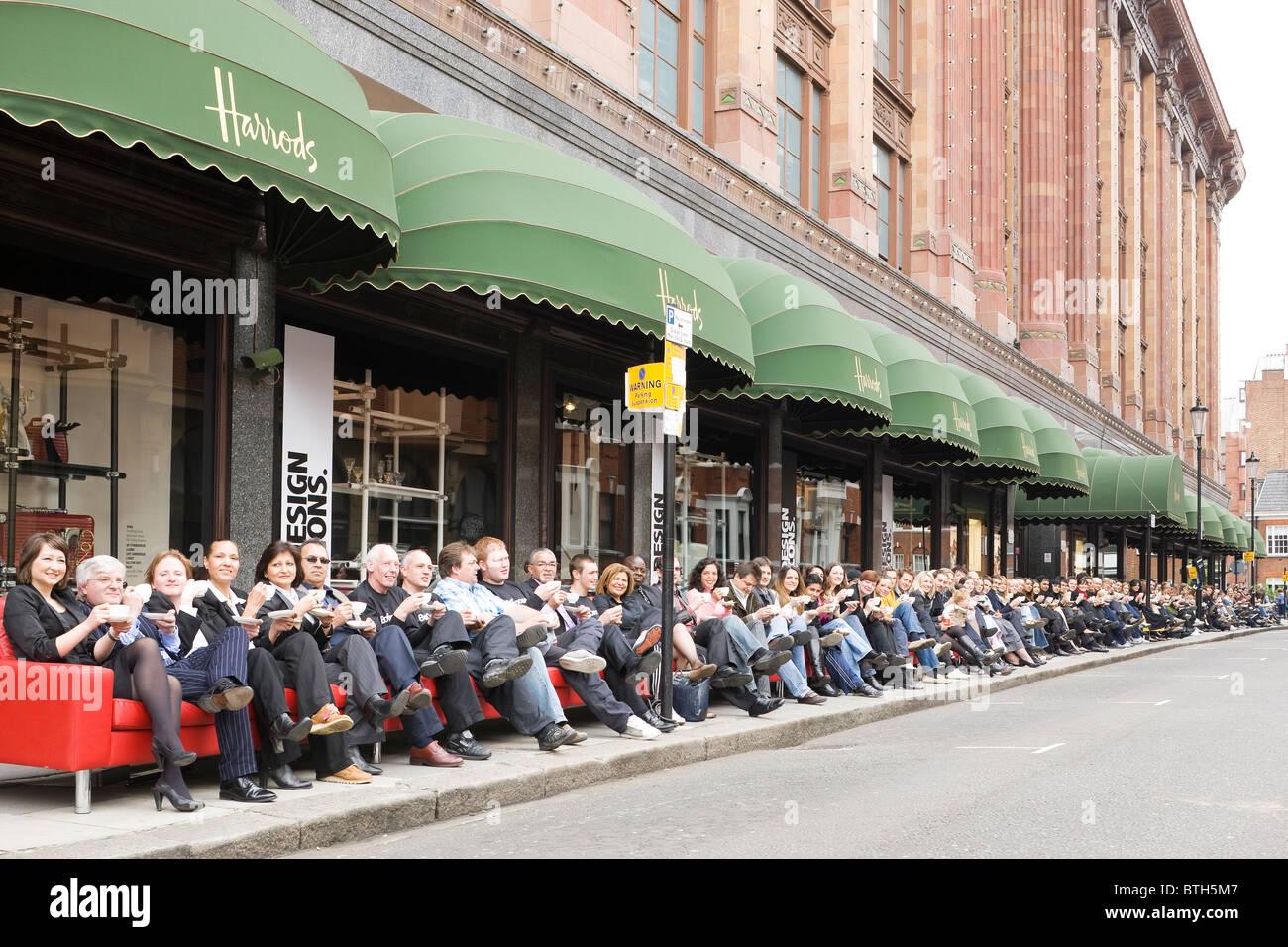 Amazing Stock Photo   Worlds Longest Sofa At Harrods