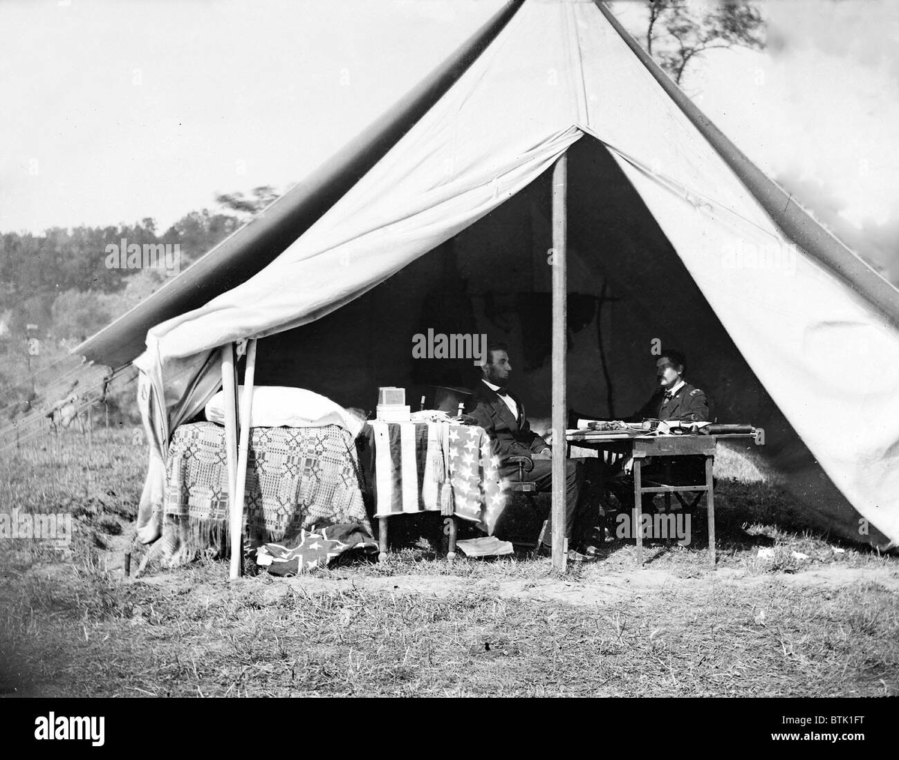 George B. McClellan in the generalu0027s tent following the Battle of Antietam on September 17 1862. McClellanu0027s Union forces stopped the Confederate & President Lincoln and Gen. George B. McClellan in the generalu0027s ...