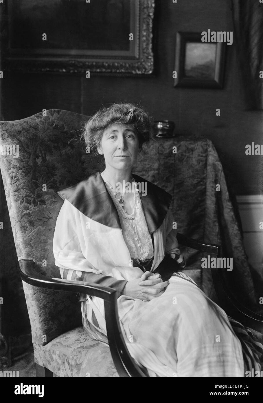 jeannette black and white stock photos images alamy jeannette rankin 1880 1973 served two non consecutive terms in the