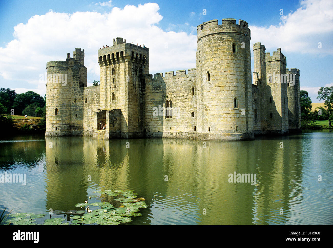 Bodiam Castle And Moat Sussex England Uk English Medieval