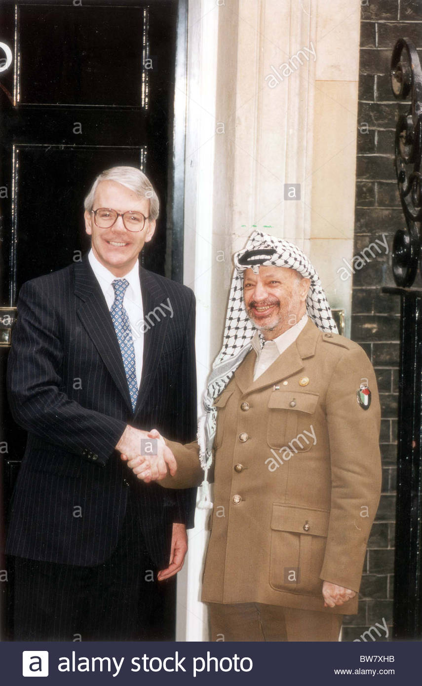 yasser-arafat-and-john-major-in-1993-lon