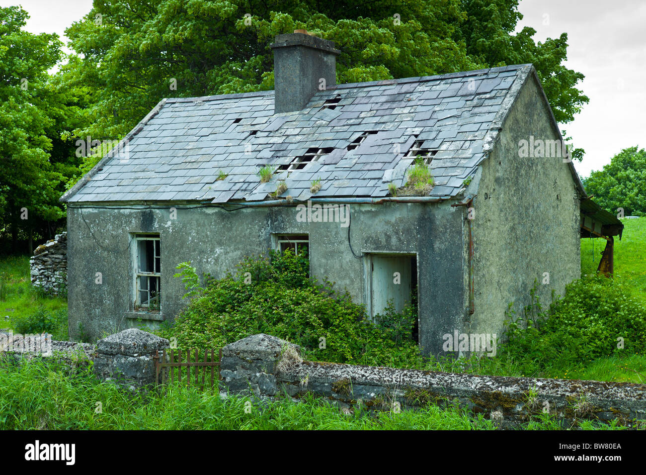 Derelict old period cottage in need of renovation near the Small cottage renovation ideas