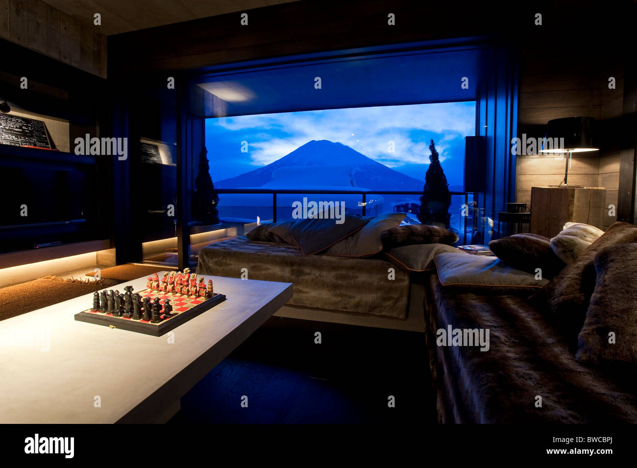 Photo Shows The Living Room Of A Loft At Suiboku Lofts With Views - Living room shows