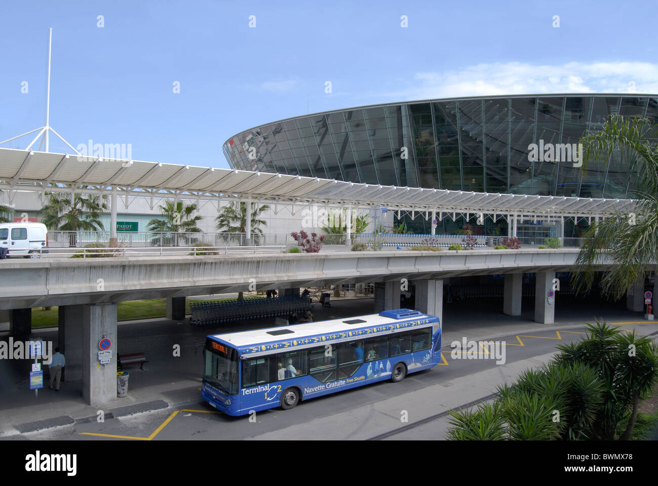 new terminal building at nice cote d 39 azur airport provence france stock photo 33036396 alamy. Black Bedroom Furniture Sets. Home Design Ideas