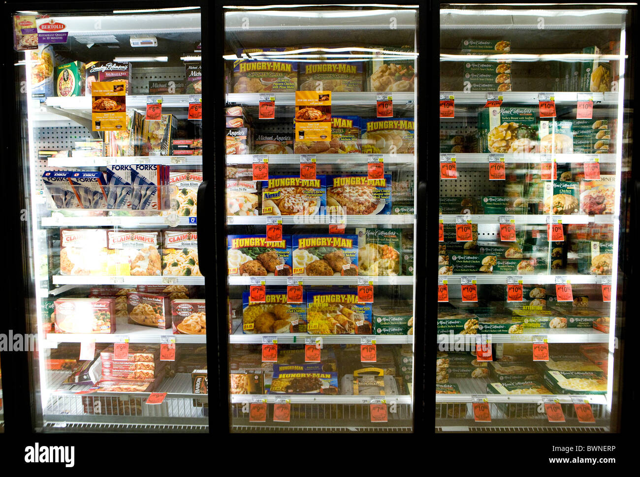 The Frozen Food Display In A Grocery Store Stock Photo