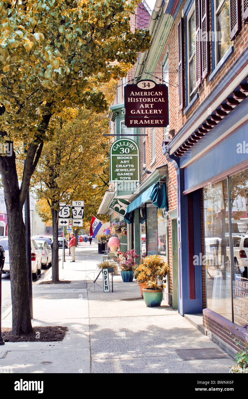 Antique and other shops in Gettysburg Town Pennsylvania PA in ...