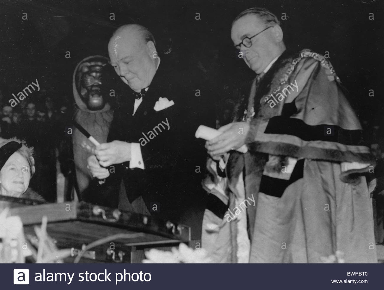sir-winston-churchill-receives-the-freed