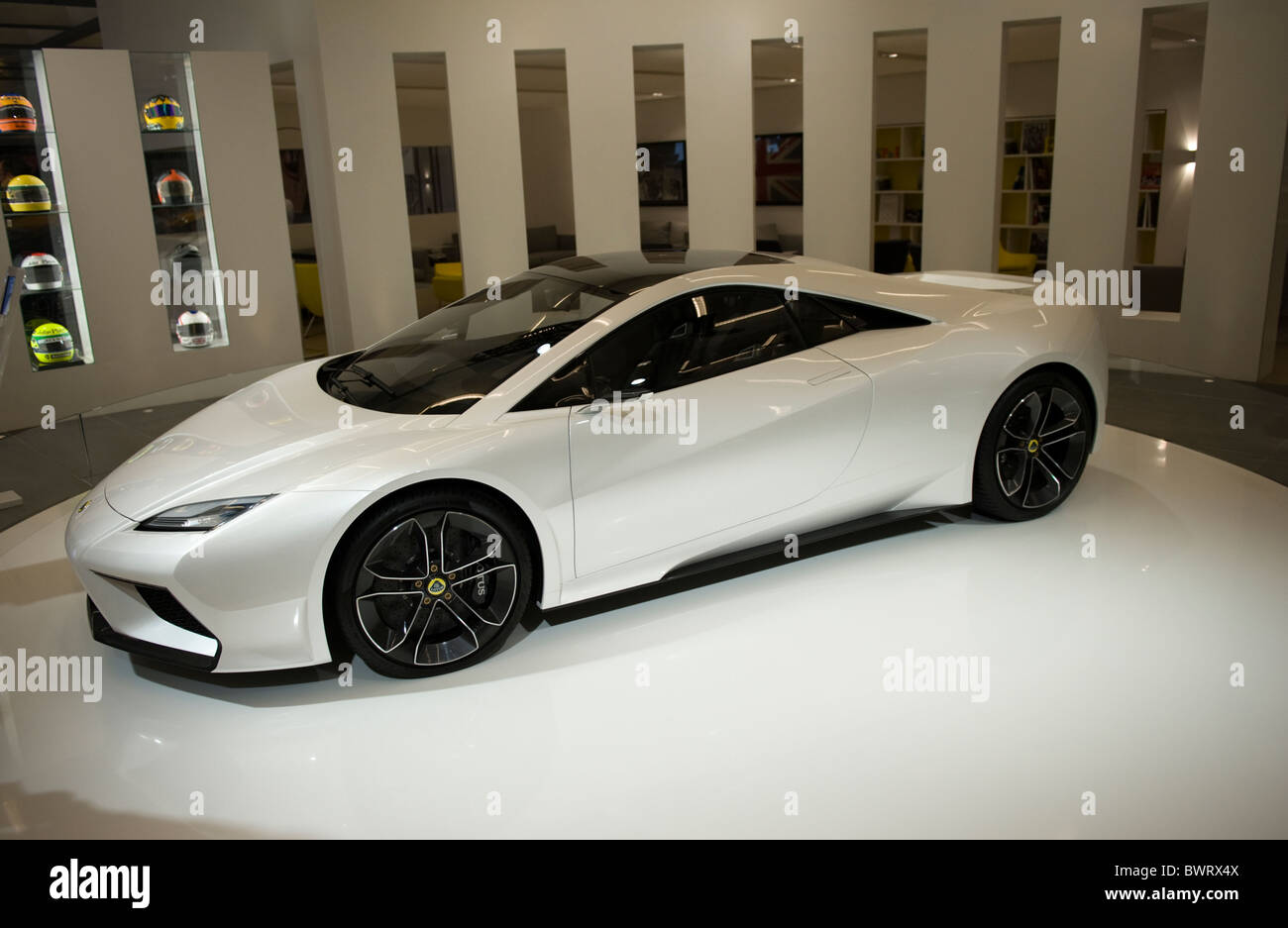http://c8.alamy.com/comp/BWRX4X/a-lotus-esprit-concept-car-at-the-2010-la-auto-show-los-angeles-california-BWRX4X.jpg