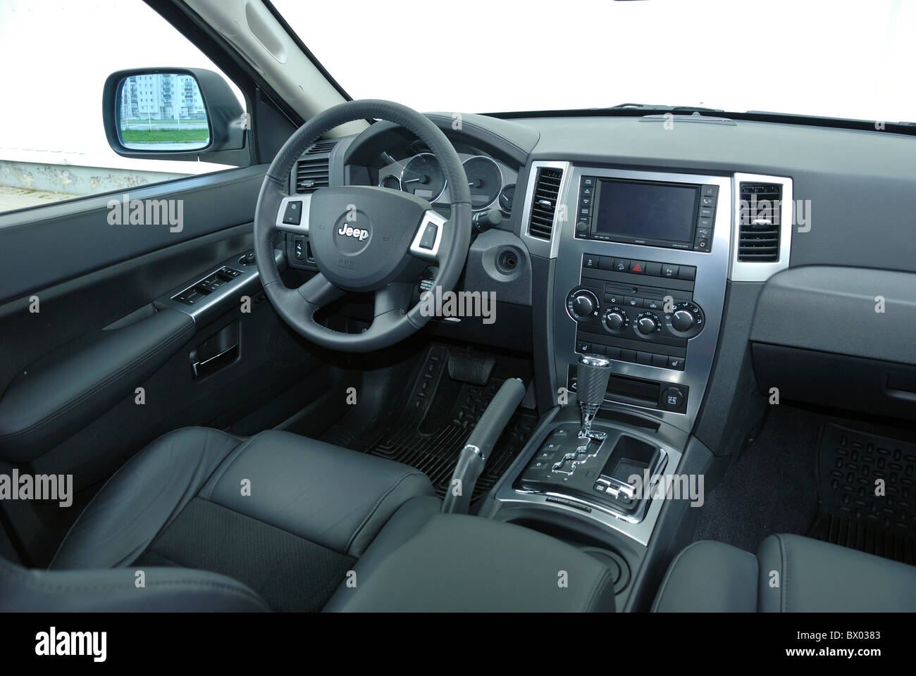 jeep grand cherokee 3 0 crd my 2005 wk us popular large stock photo royalty free image. Black Bedroom Furniture Sets. Home Design Ideas
