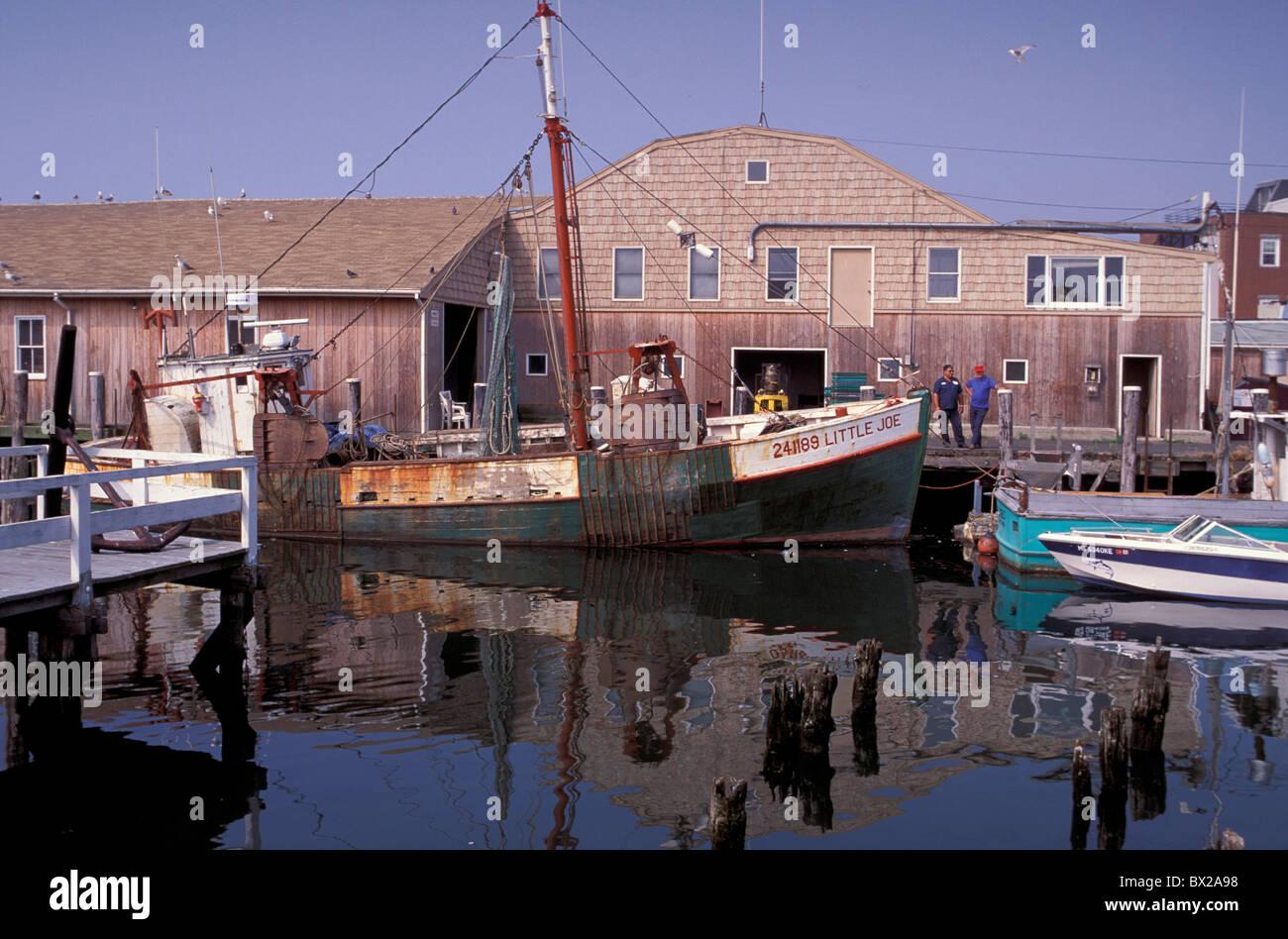 America fishing boat fishing boats gloucester harbor for Gloucester ma fishing