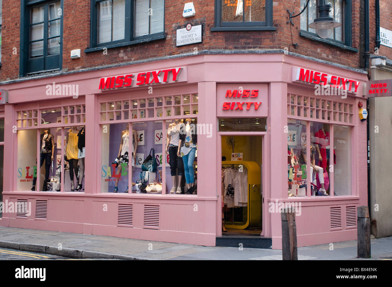 London is host to a wide range of fashion stores, from global megabrands like Dior and Uniqlo, to independent multi-brand boutiques like Dover Street Market and Oi Polloi.