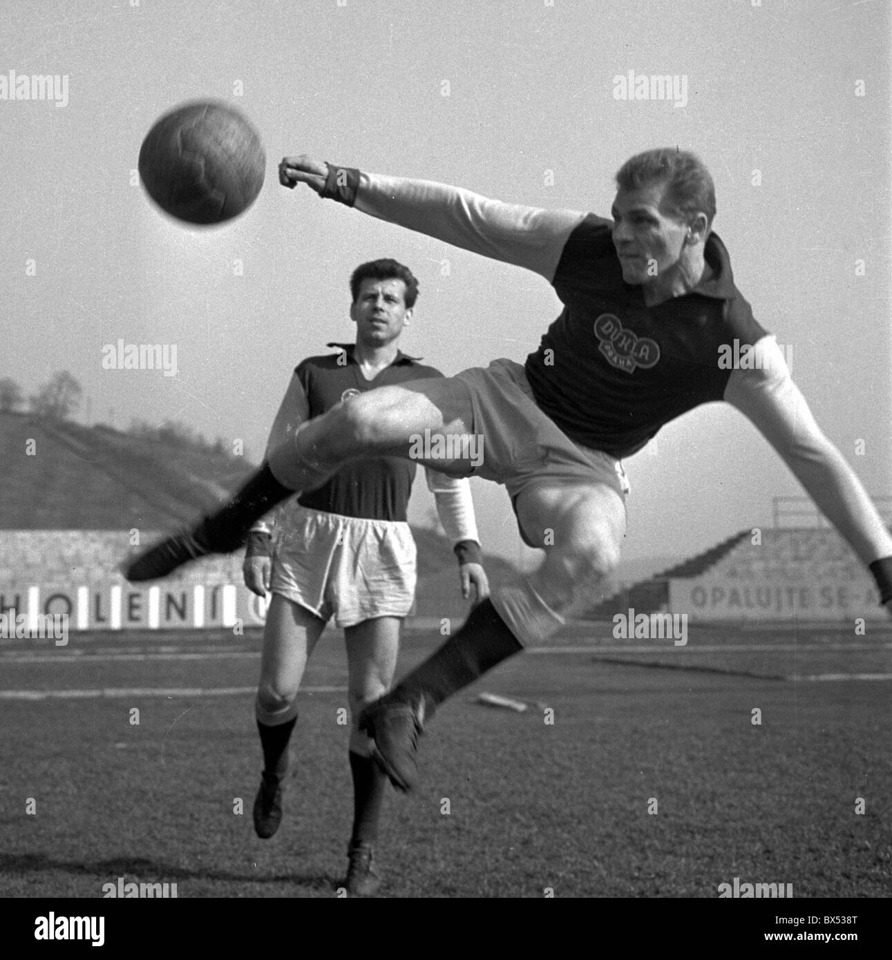 Josef MASOPUST Svatopluk PLUSKAL soccer football training