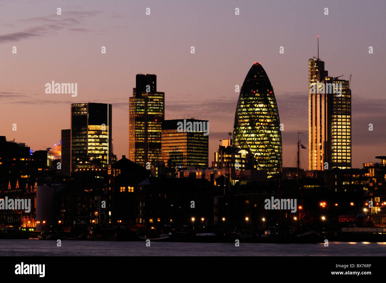 city of london skyline at night including tower 42 30 st. Black Bedroom Furniture Sets. Home Design Ideas