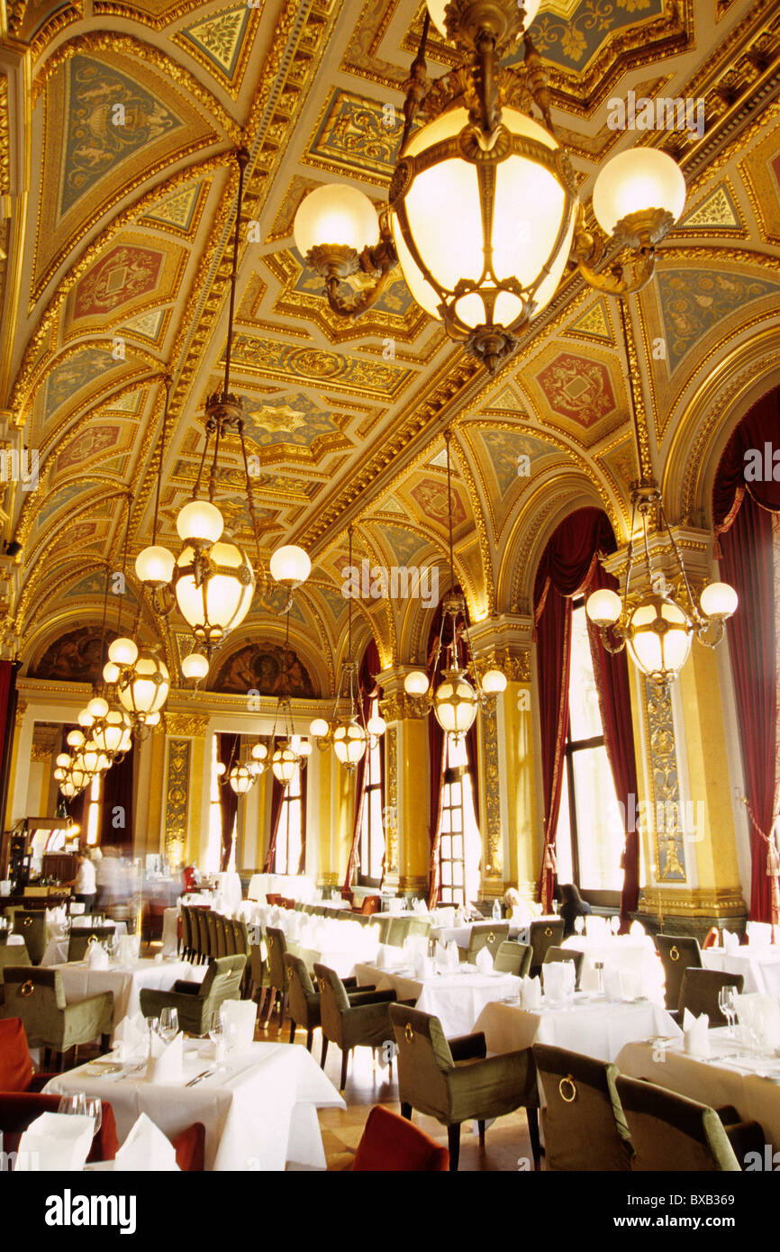 Dining Room Bar Cafe Restaurant At The Old Opera Alte Oper On Opernplatz Square Frankfurt Am Main Hesse Germany Europe