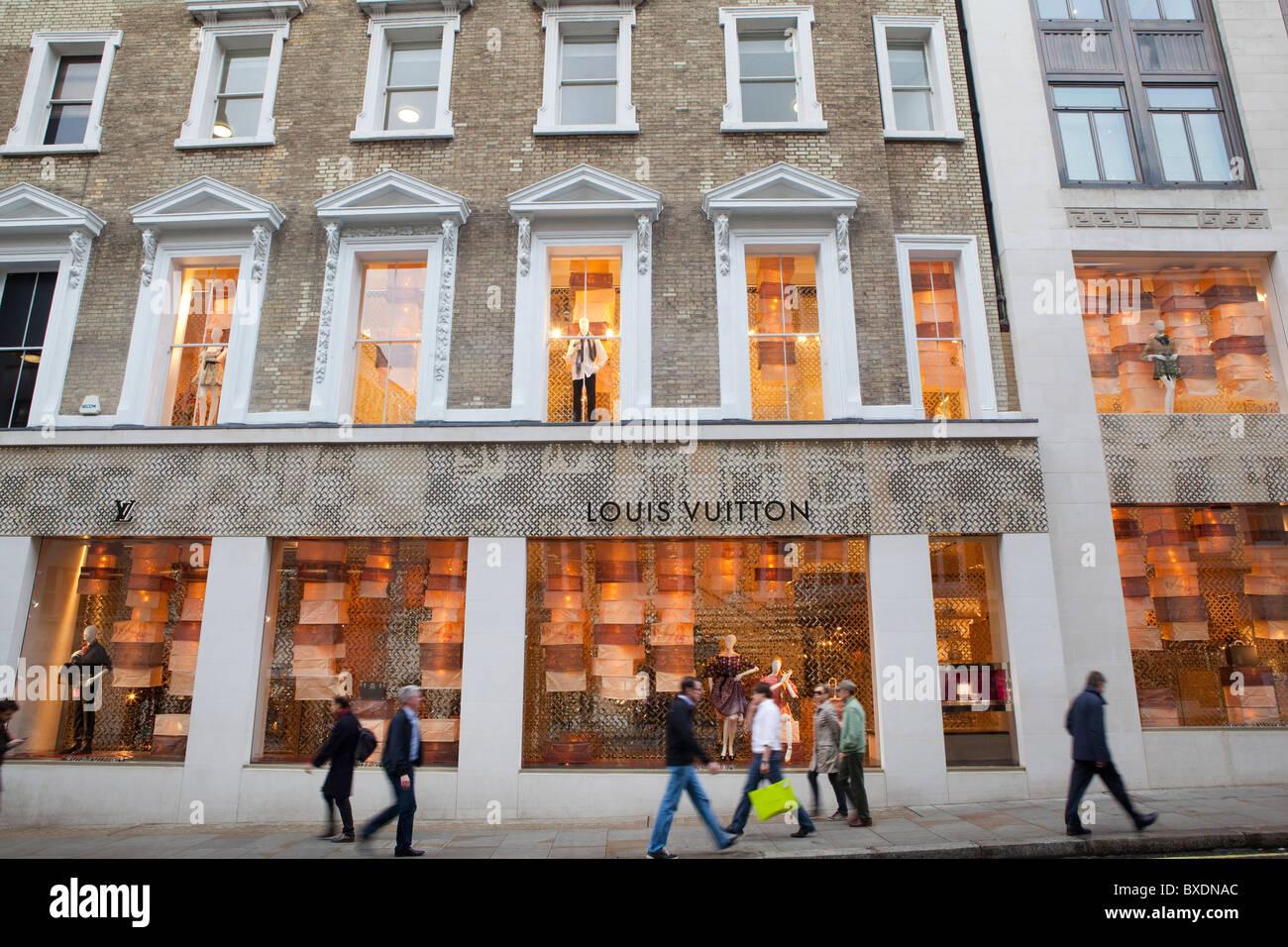 Louis Vuitton shop in New Bond street, London Stock Photo ...
