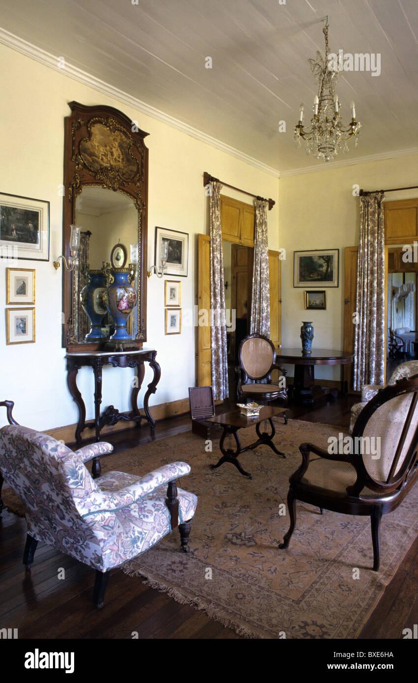 Living room or salon interior of eureka built 1830 for Living salon