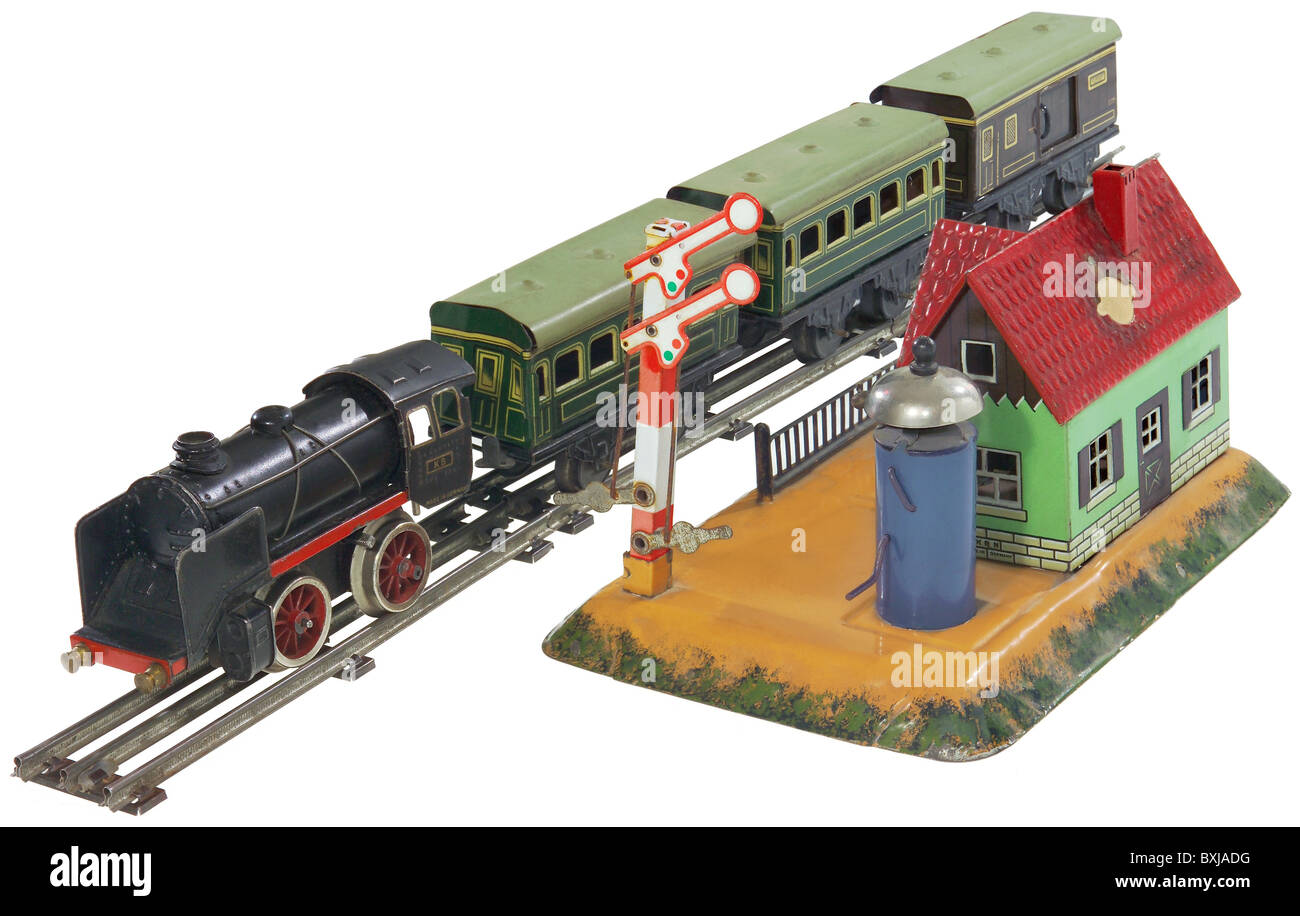 toys model railway train track gauge 0 germany 1930s historic historical BXJADG railway station in 1930s stock photos & railway station in 1930s  at readyjetset.co