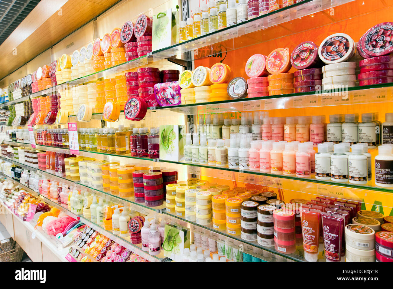 body shop uk strategic marketing While most of that content is produced centrally in the uk it is also localised to  meet the needs of different regions, allowing local body shop.