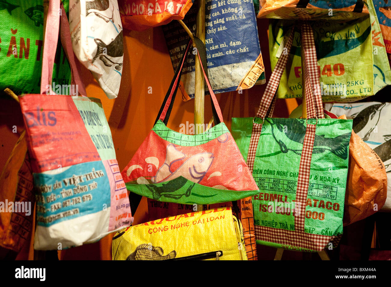Recycled rice bag purse - Handbags Made Out Of Rice Bags At The Angkor Night Market In Siem Reap