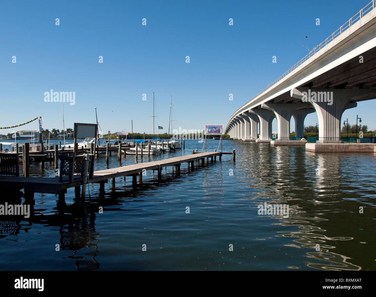 Beachland boulevard in vero beach florida stock photo for Vero beach fishing pier