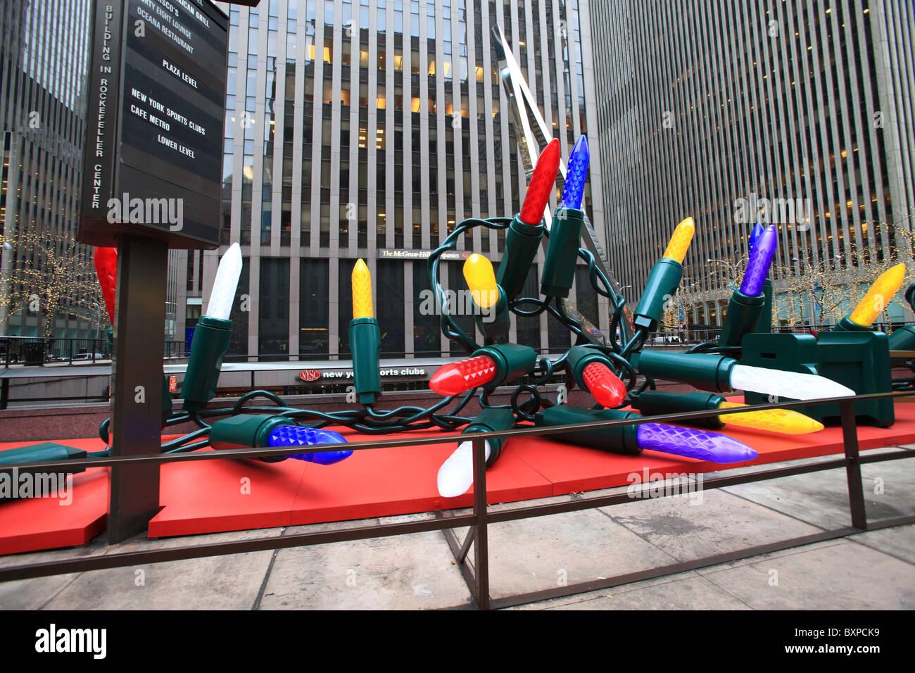 Giant Christmas string light bulbs in Rockefeller center, New York ...
