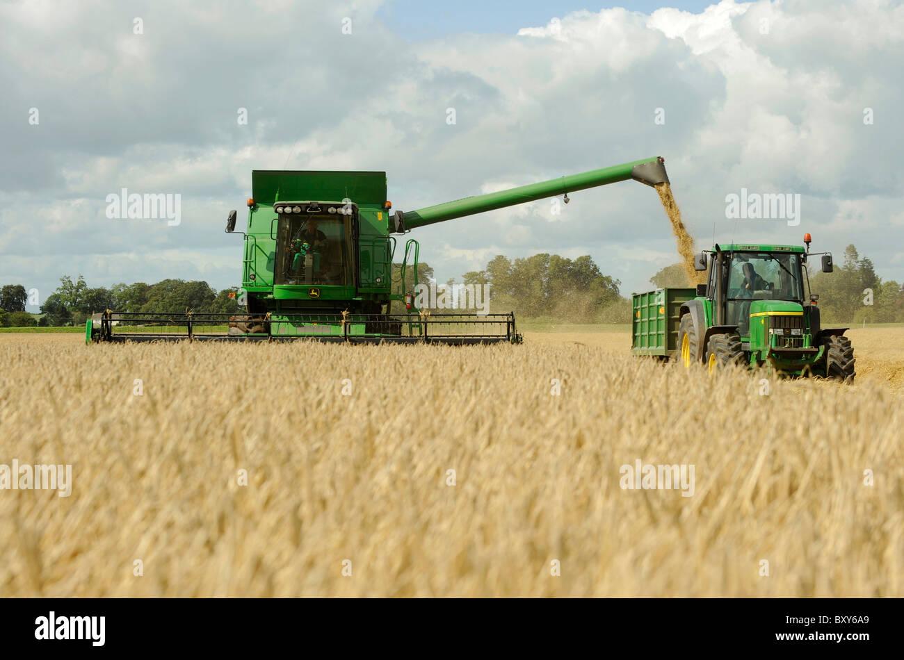 John Deere Combines In The Field | www.pixshark.com ...