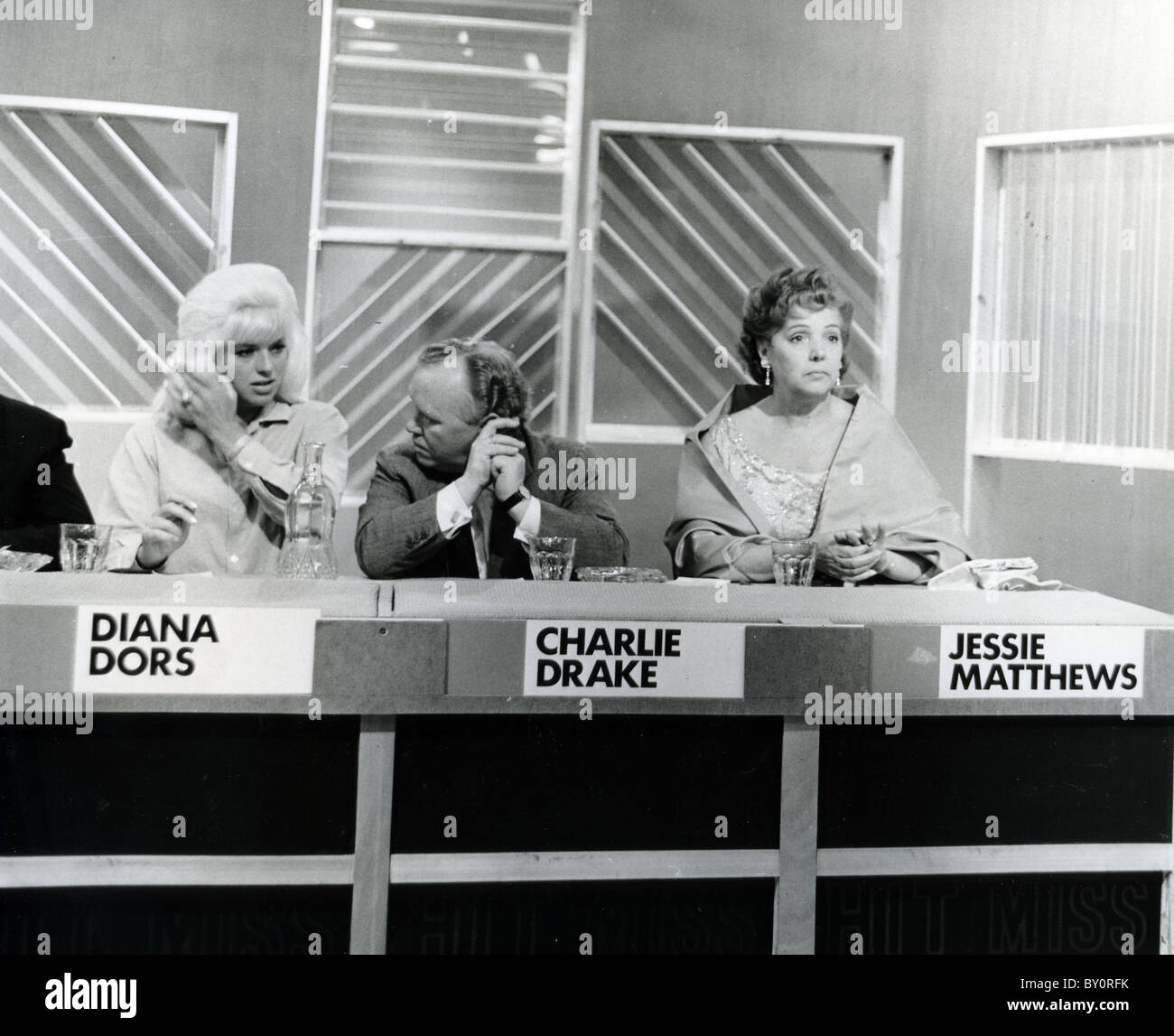 Juke box jury tv pop music quiz series this june 1964 for Pop quiz tv show