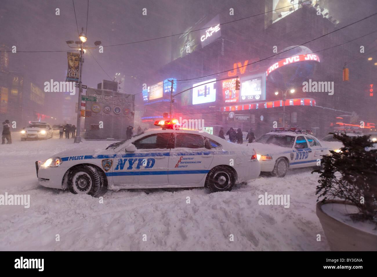 Resultado de imagen para pic of an nypd squad car in the snow