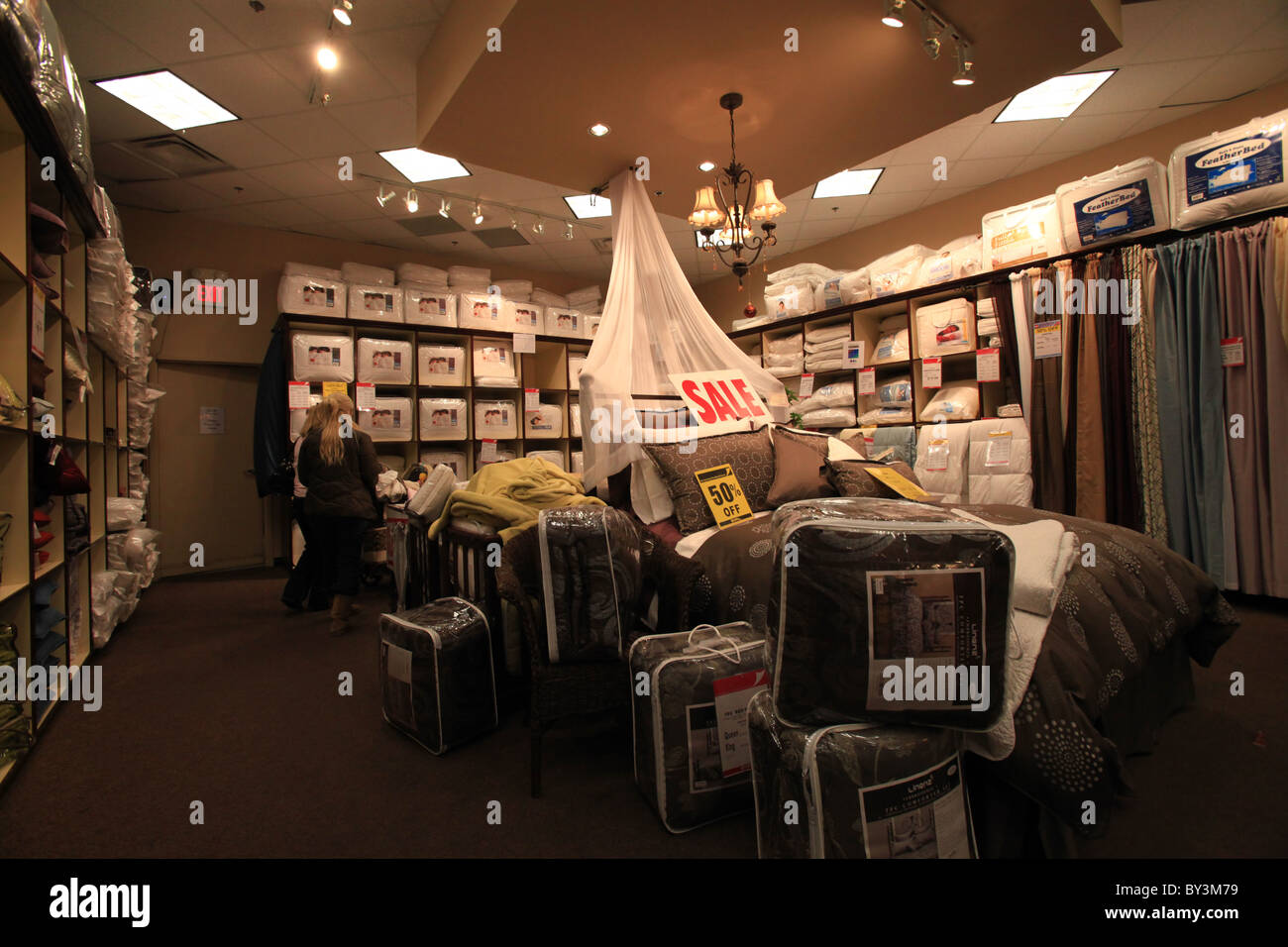 Quilts and pillows for sale during Boxing week in Quilts etc store ... : quilts etc - Adamdwight.com