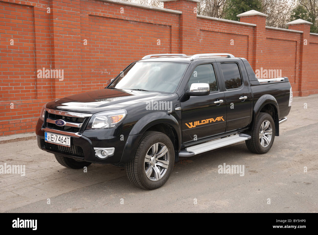 ford ranger 3 0 tdci wildtrak 4x4 my 2010 black metallic double stock photo 33929784 alamy. Black Bedroom Furniture Sets. Home Design Ideas